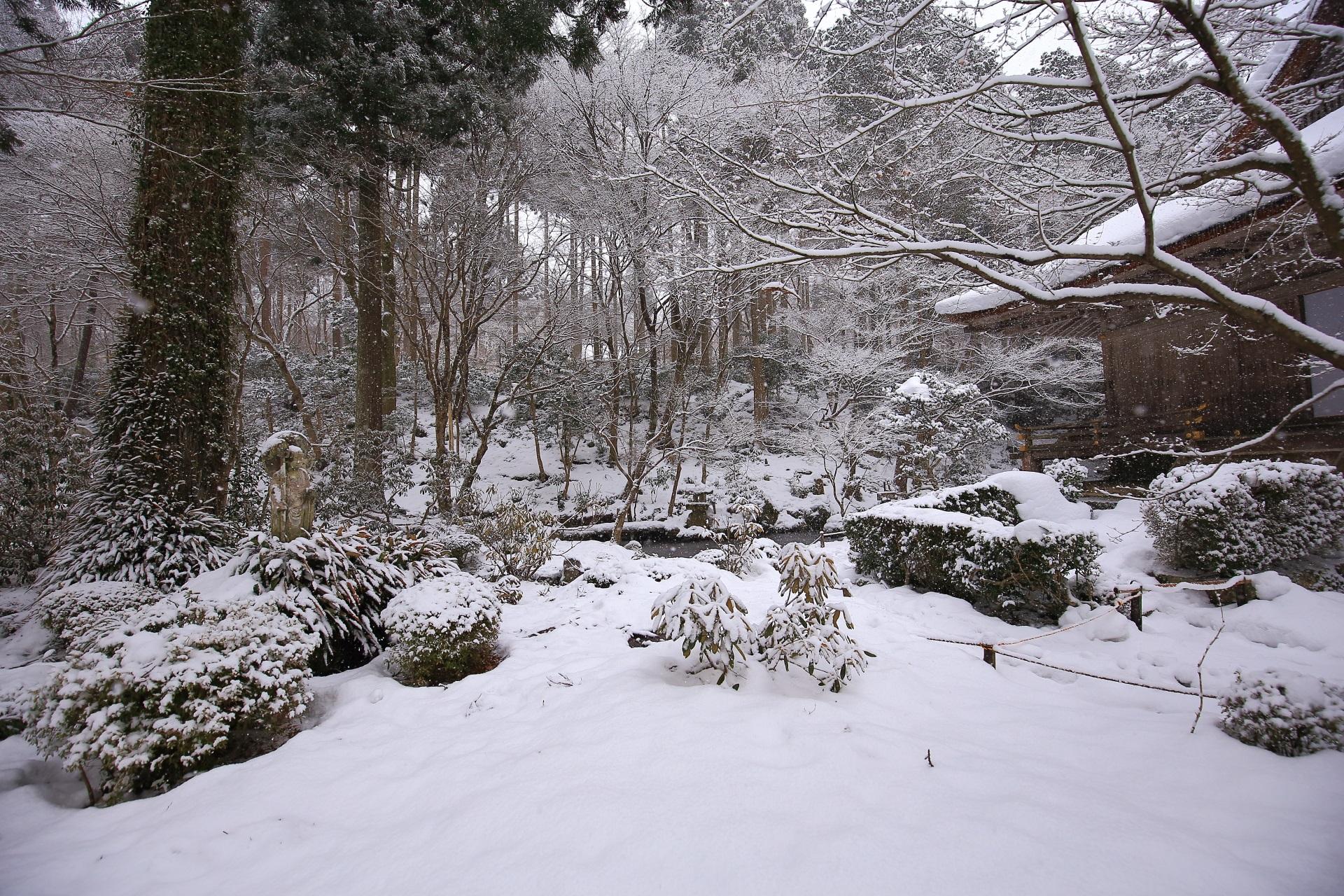 有清園の雪景色