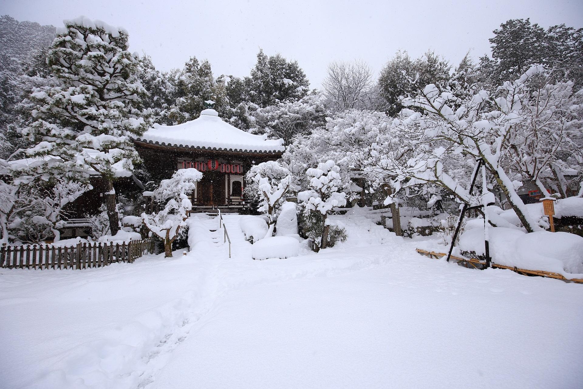 九頭龍弁財天の雪景色