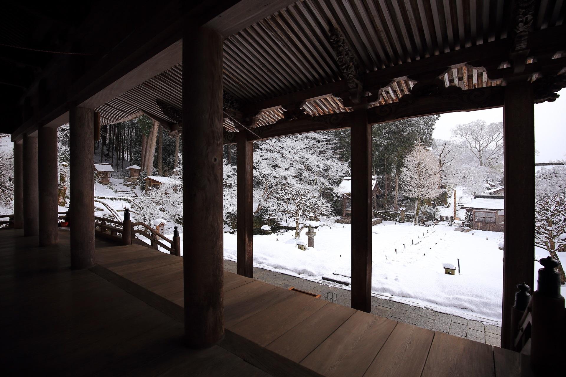 雪の違う世界を楽しめる勝林院
