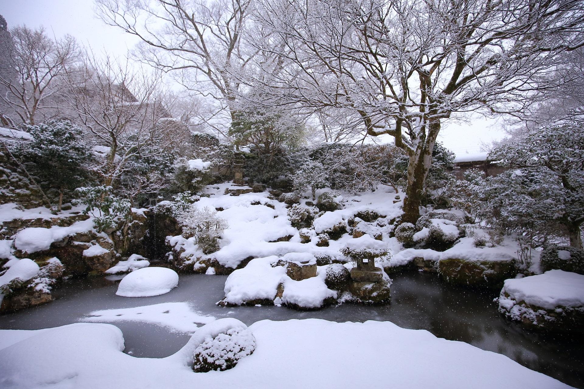 実光院 雪 京都大原の風情ある冬景色