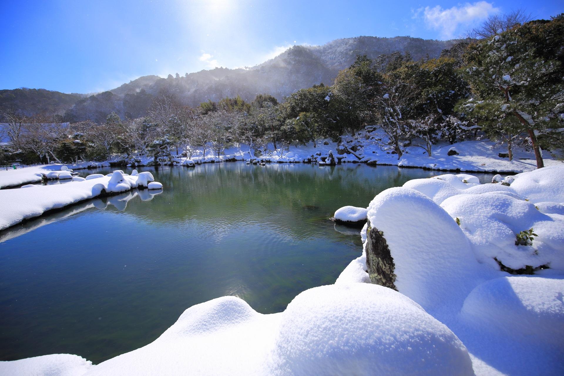 天龍寺 雪 京都嵐山の世界遺産の冬景色