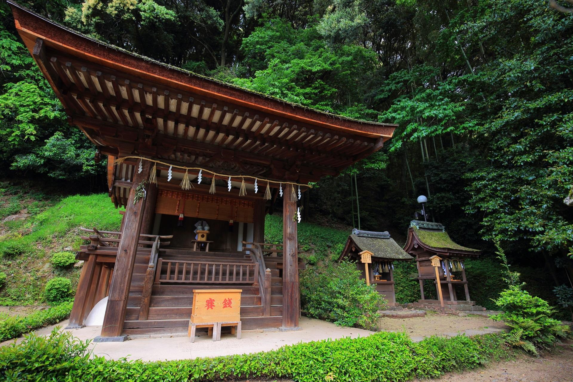 宇治上神社の摂社の春日神社と末社