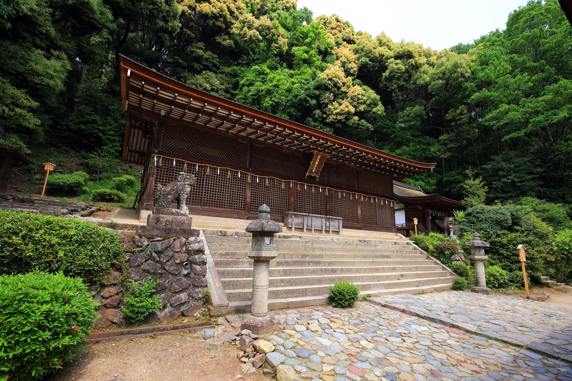宇治上神社の最古の神社建築の本殿
