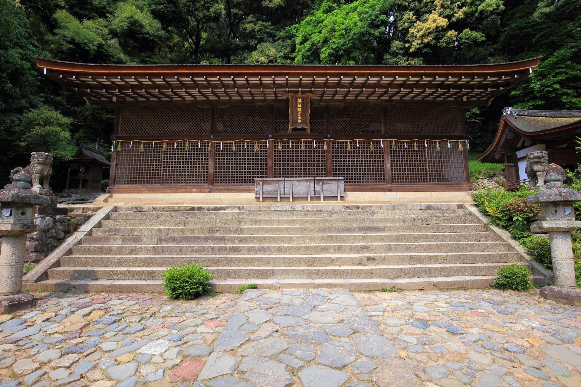宇治上神社の現存最古の神社建築の本殿