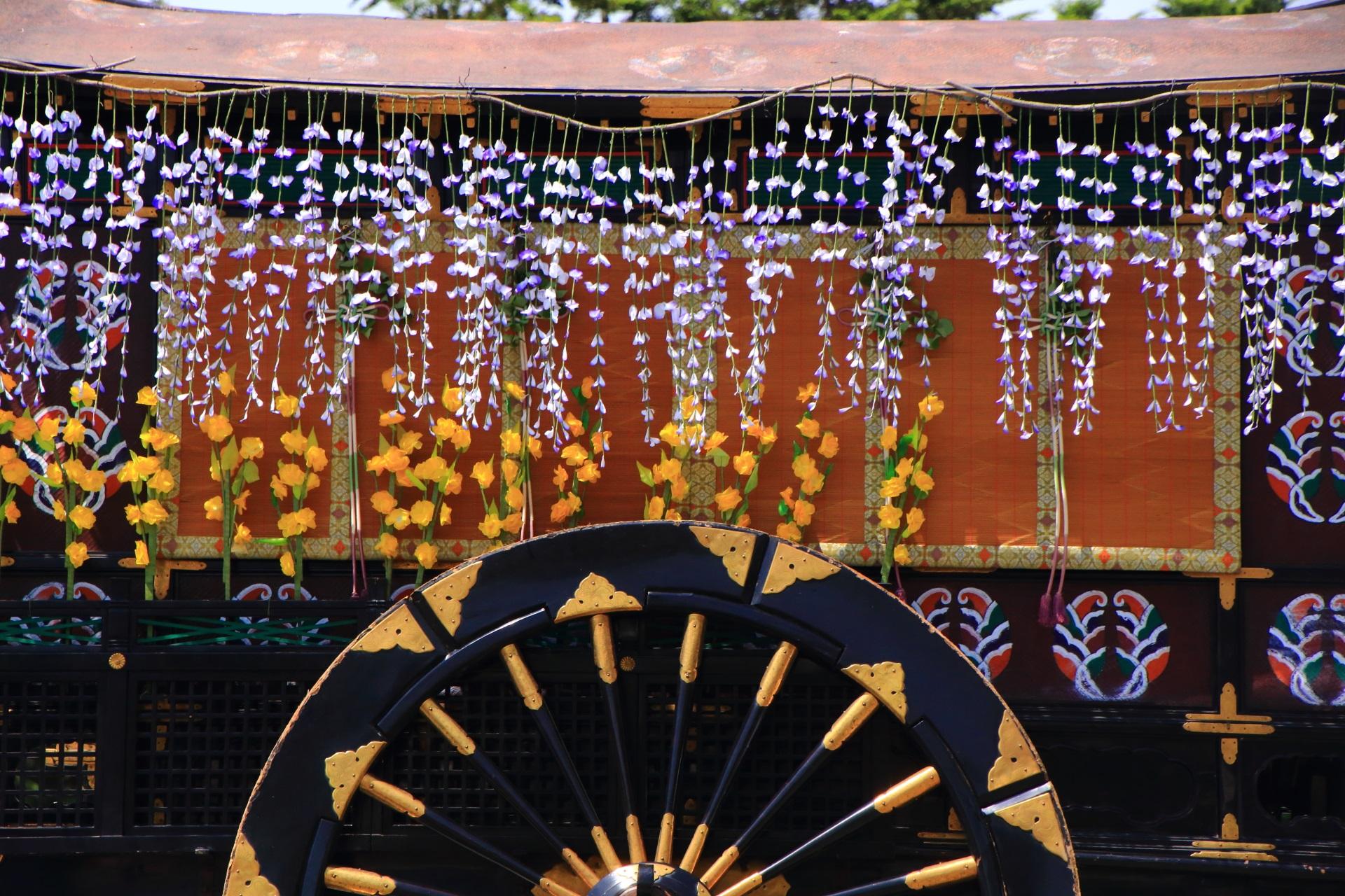 牛車の藤の花の飾り