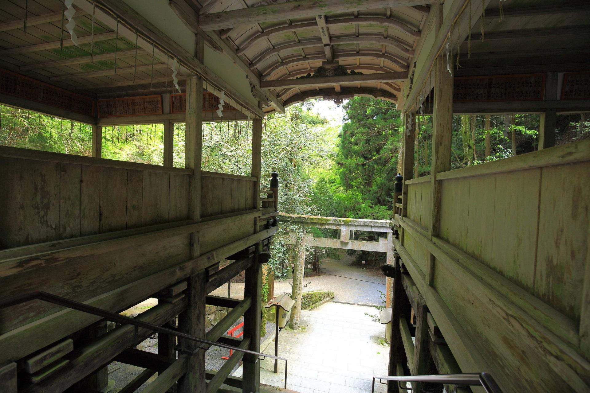 懸造 拝殿 由岐神社