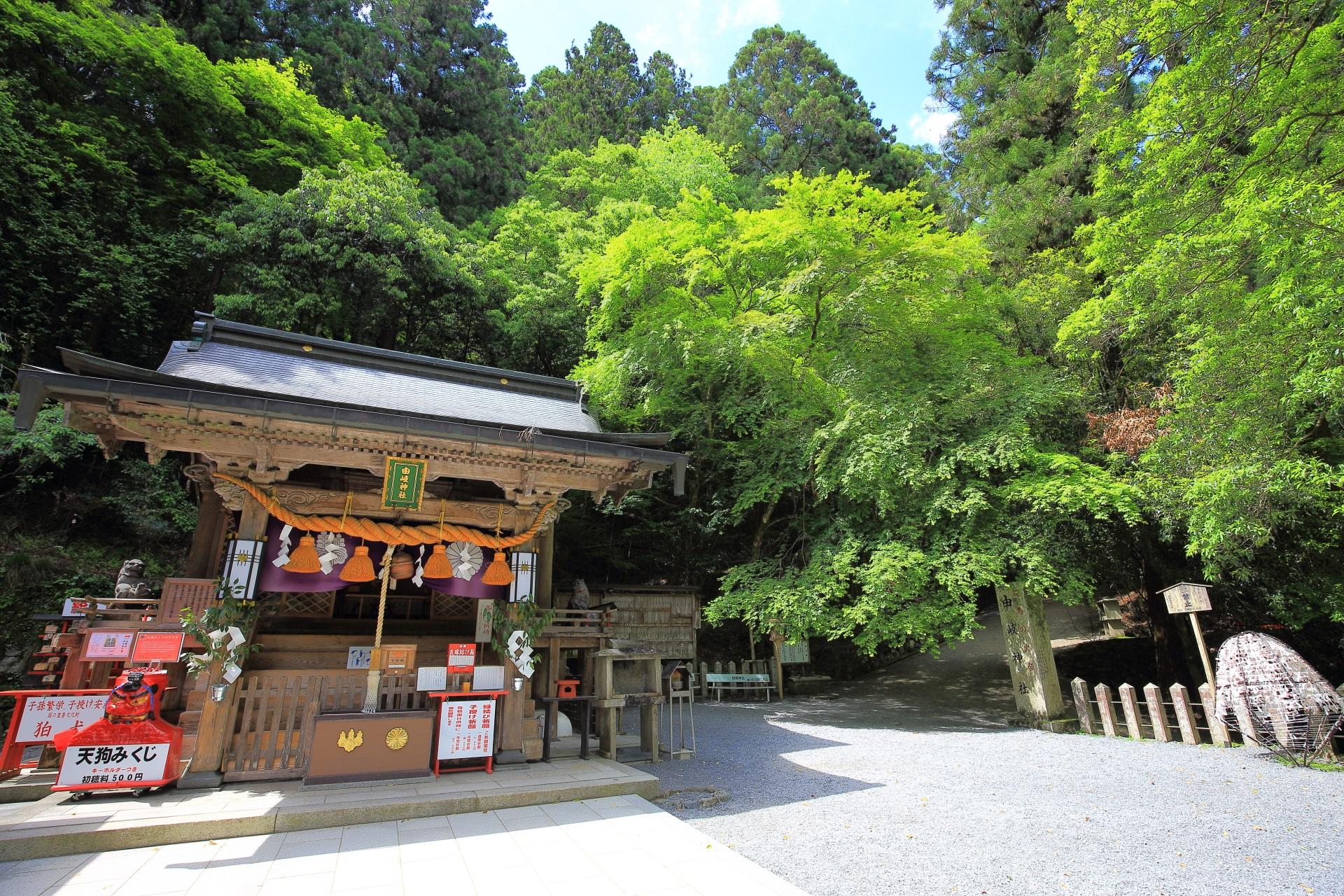 由岐神社の本殿