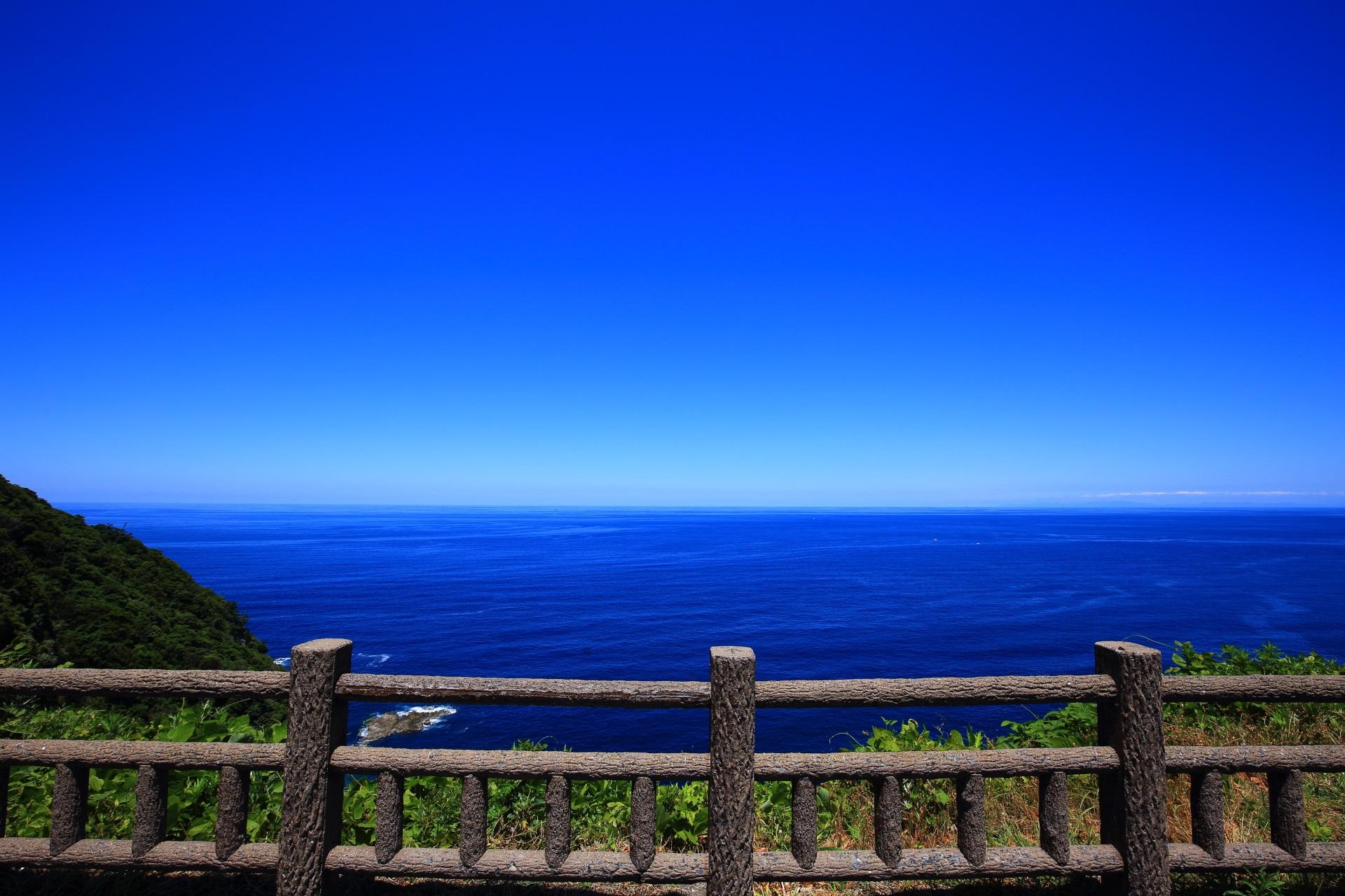 「経ヶ岬展望所」から眺めた日本海