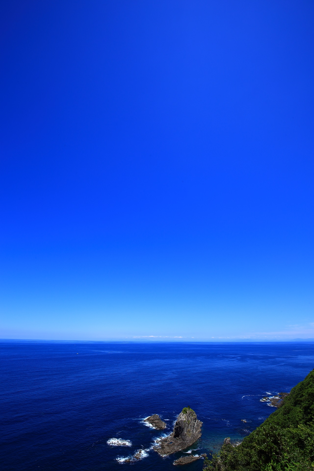 Blue sky and blue sea to watch from Cape-Kyoga-Misaki in Kyotango