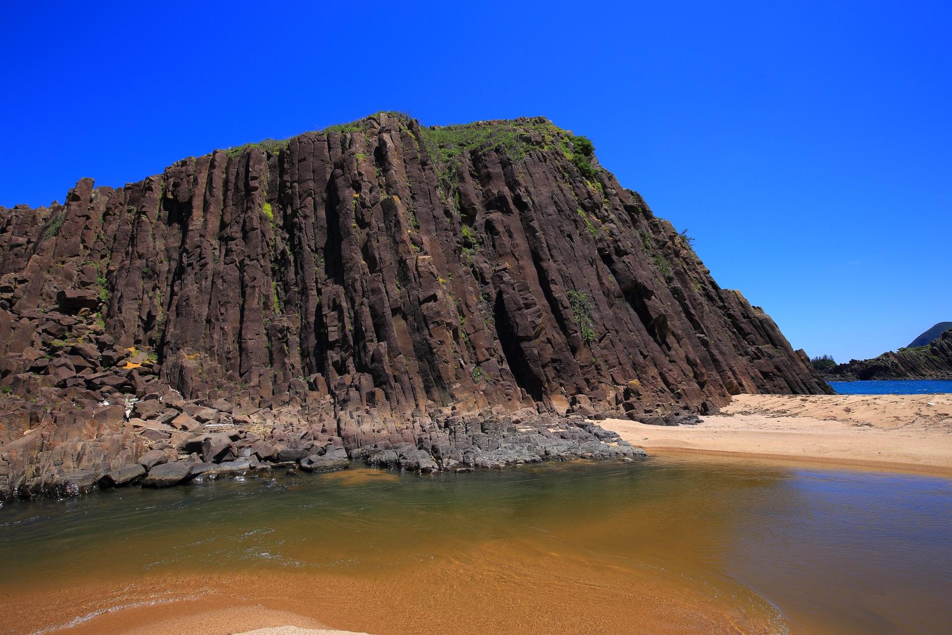 周囲が1キロある迫力の京丹後の立岩
