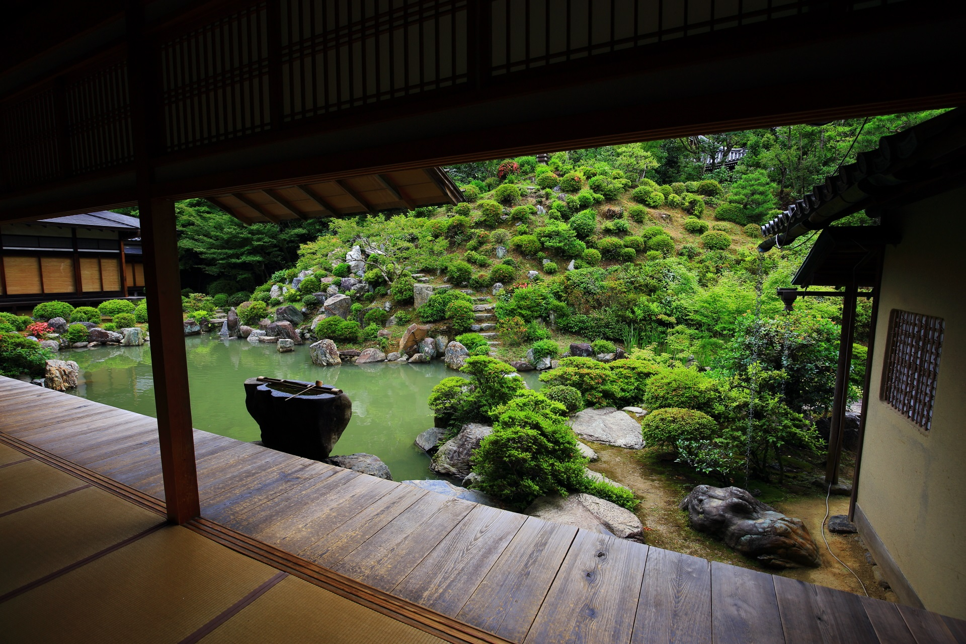 名勝庭園でしられる智積院(ちしゃくいん)