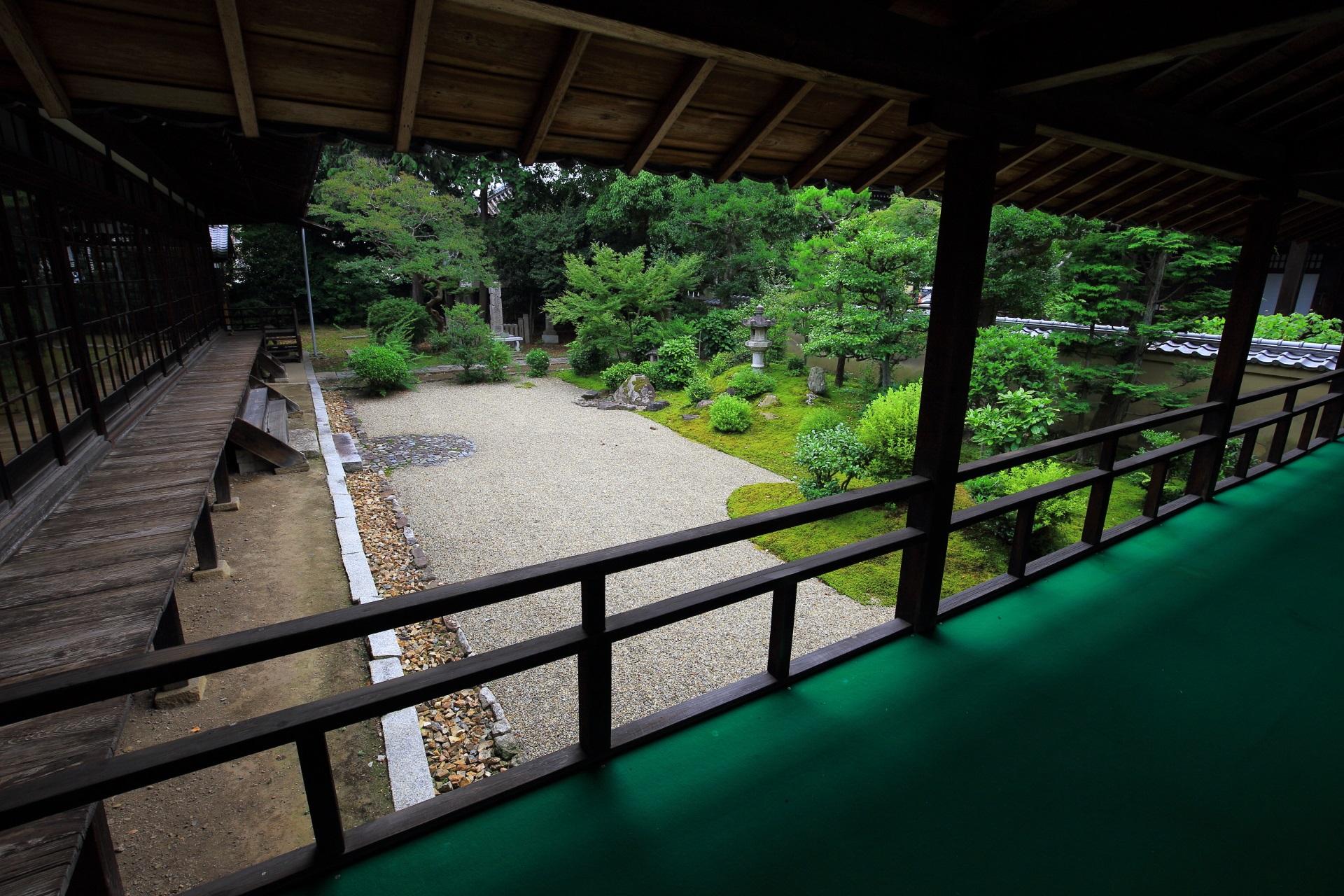 立本寺の客殿南側の龍華苑(りゅうげえん)