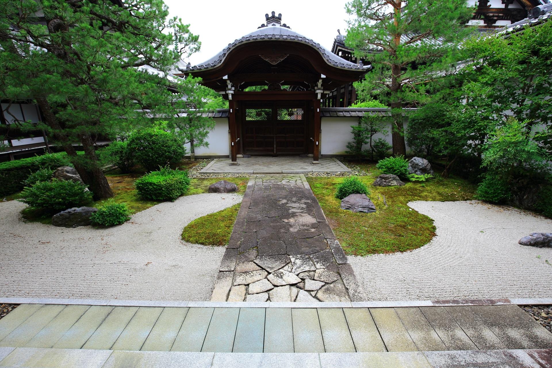 本法寺の十(つなし)の庭