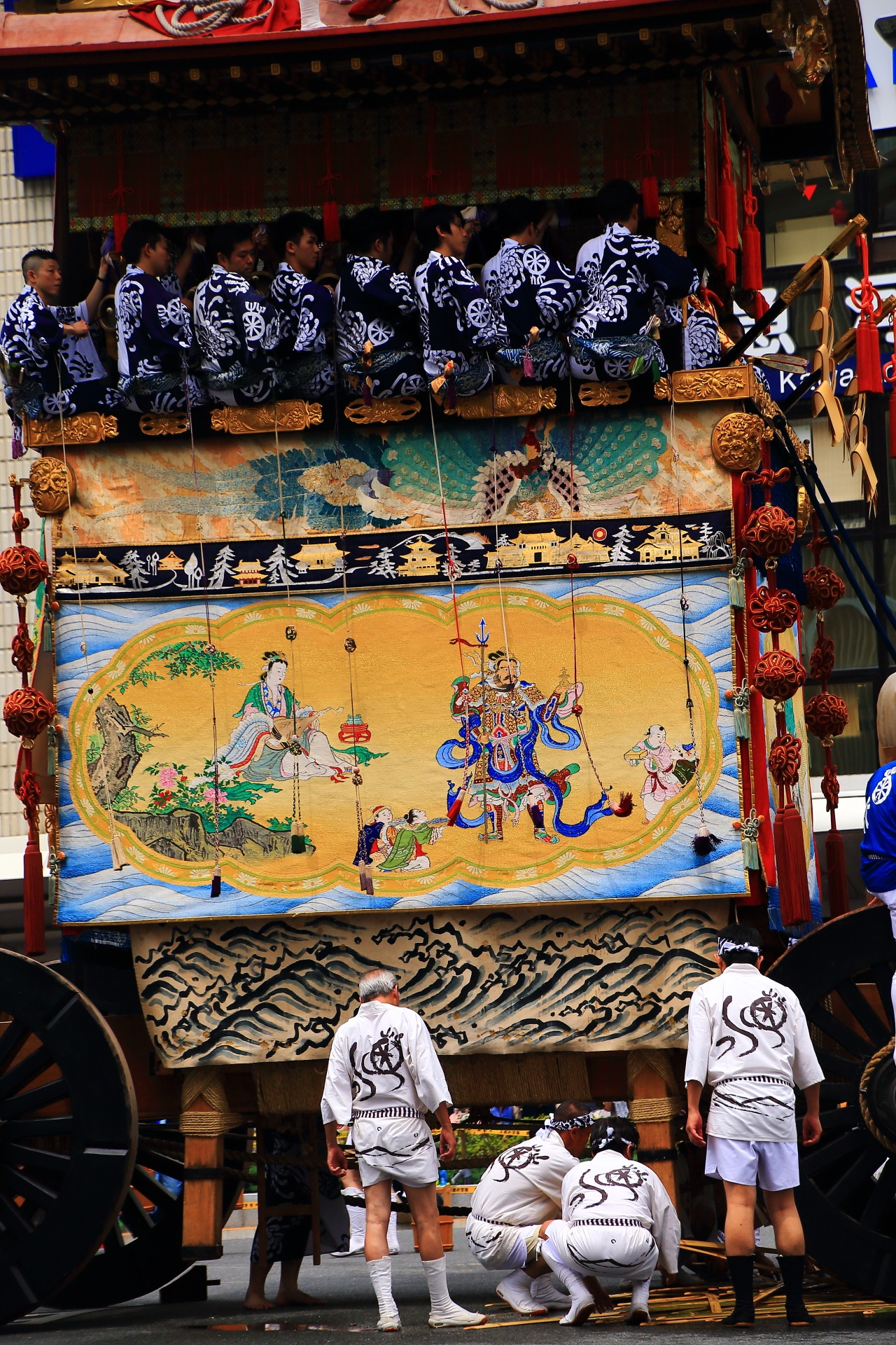 Kikusui-Hoko appeared in Gion-Matsuri Festival