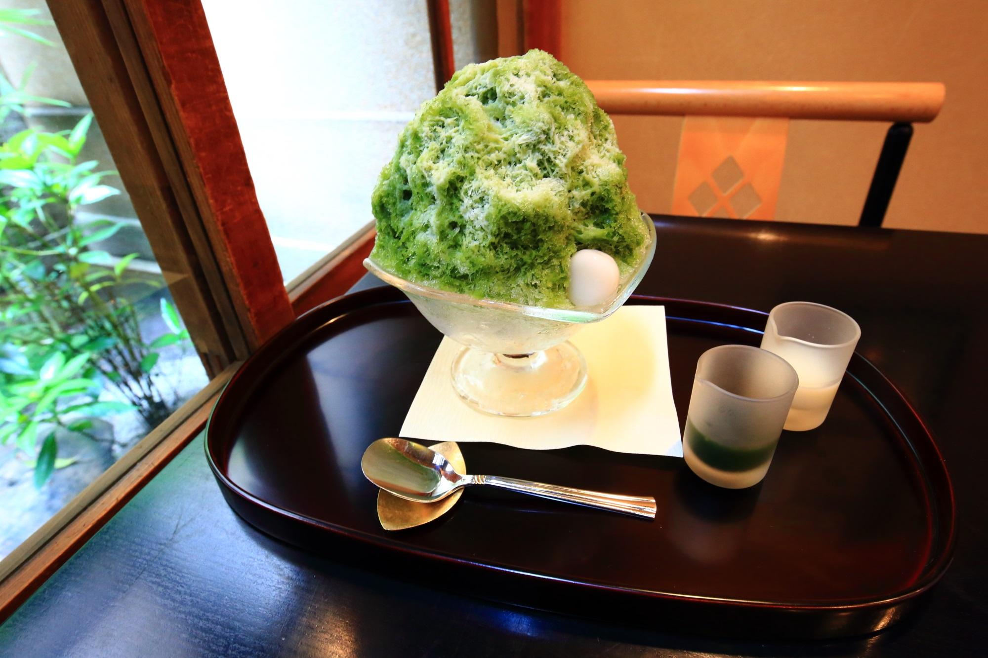 栖園の「かき氷 宇治ミルク」(税込700円)