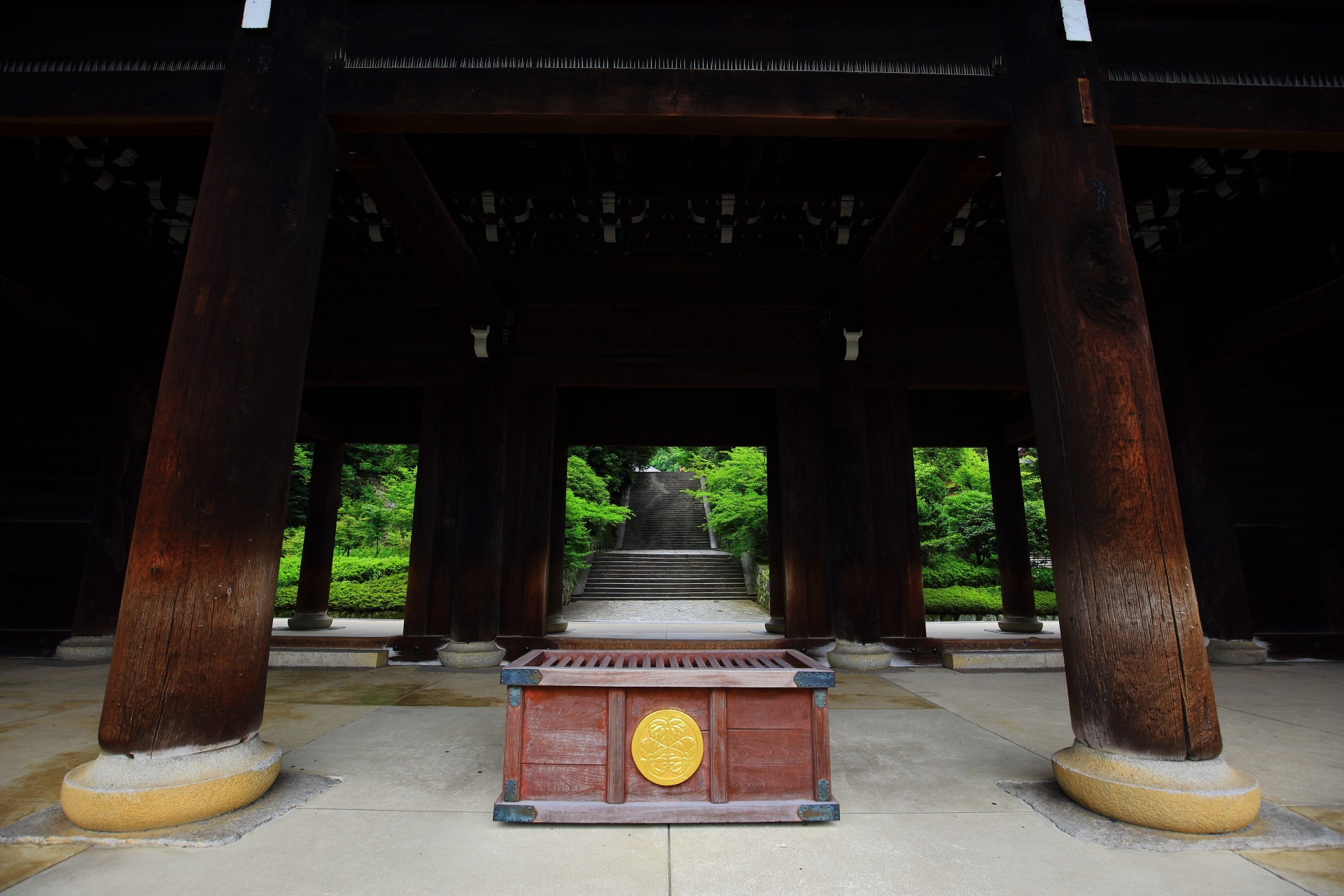 知恩院の国宝の三門