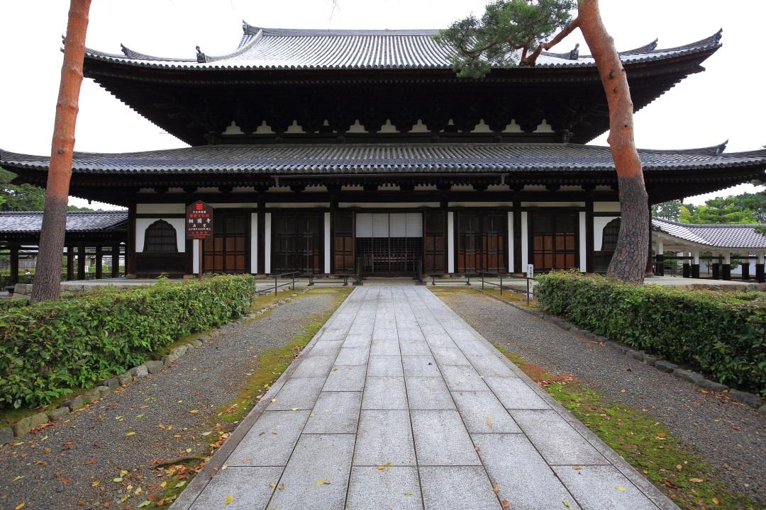 雄大な造りの相国寺の法堂