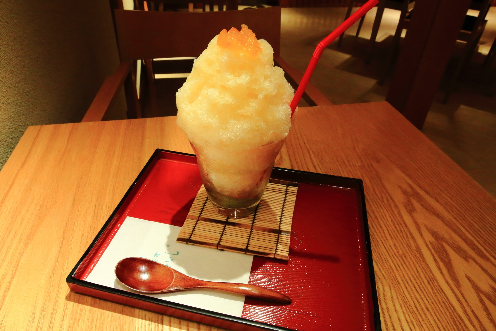 甘味処の祇園小石の夏柑氷(税込1,180円)
