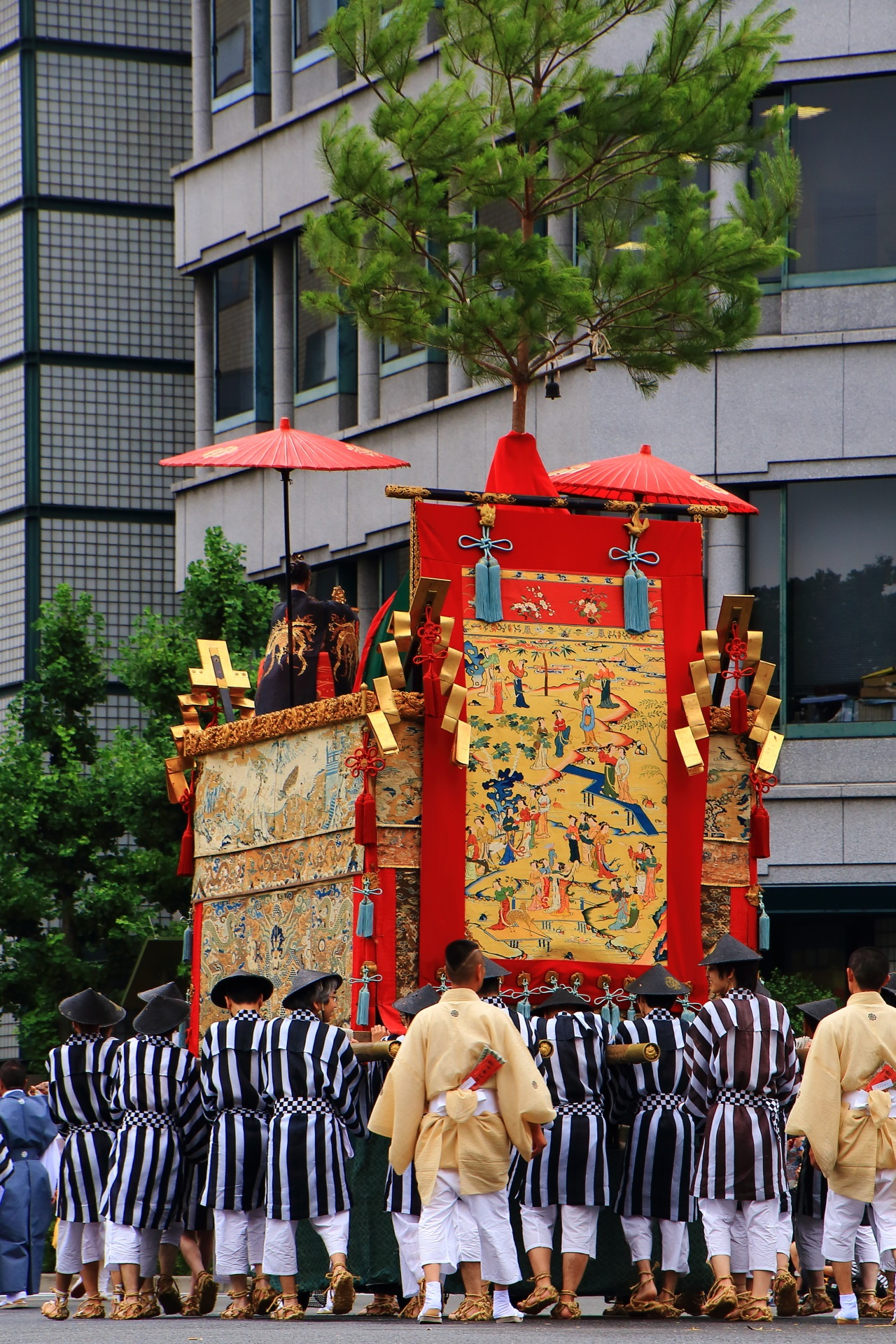 祇園祭の後祭の山鉾巡行