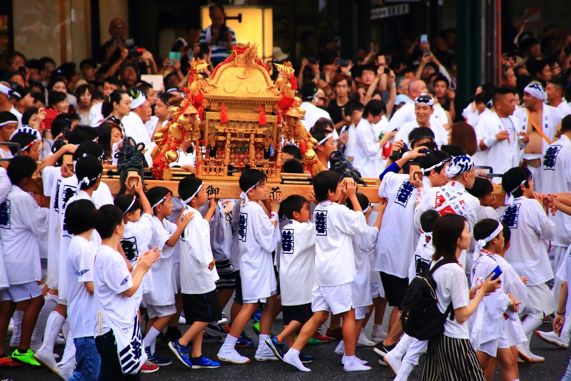 神幸祭の子供神輿