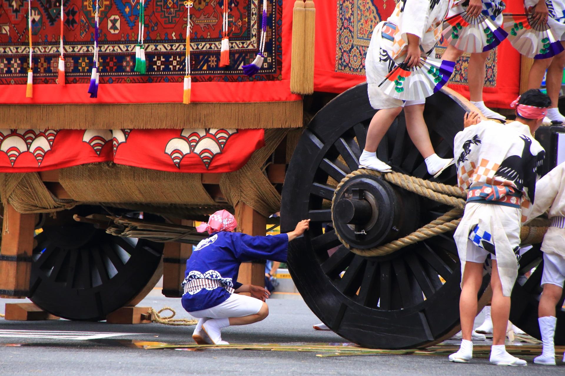 大きな車輪の月鉾