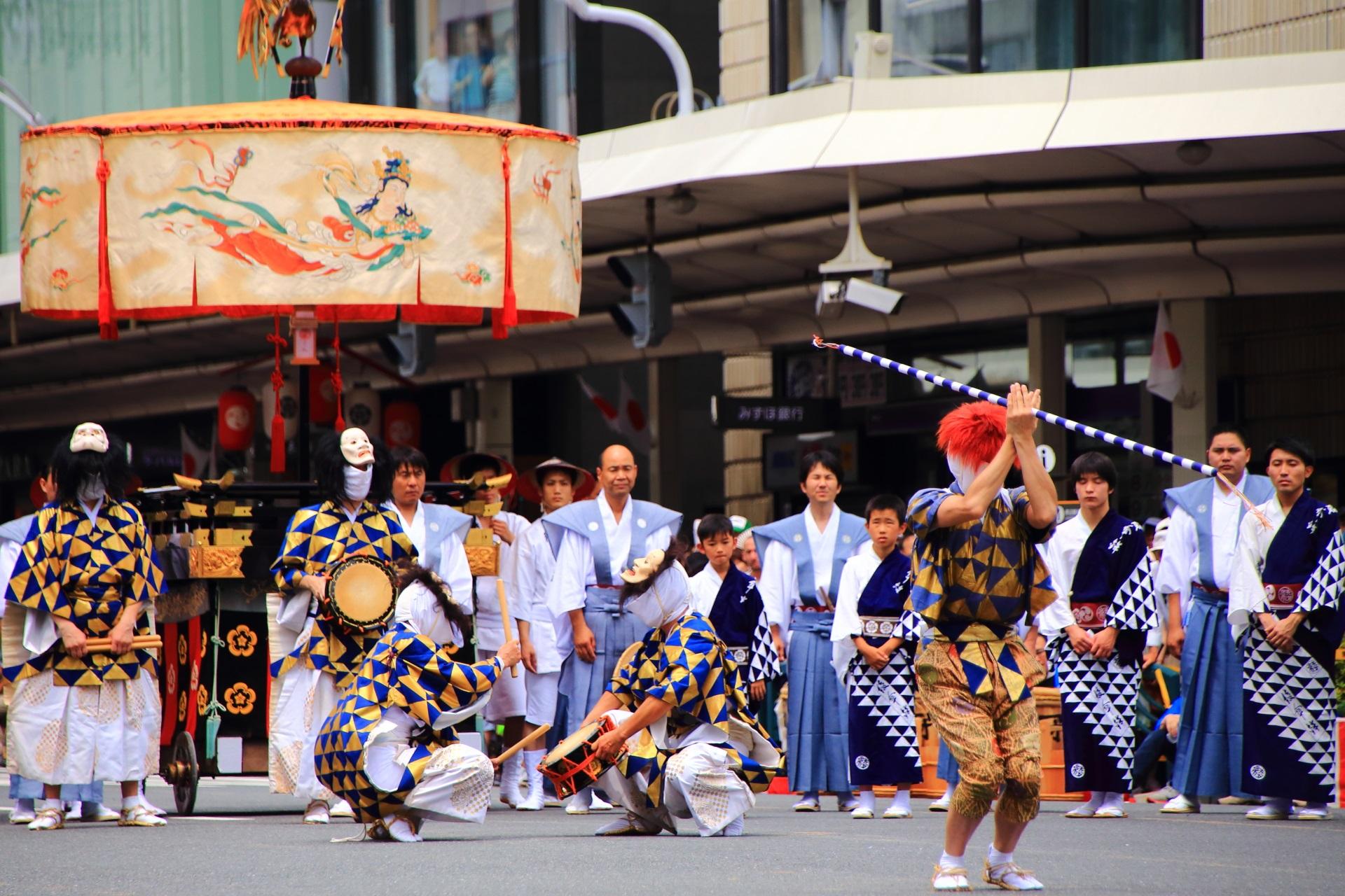 祇園祭の山鉾の古い形態を残す綾傘鉾