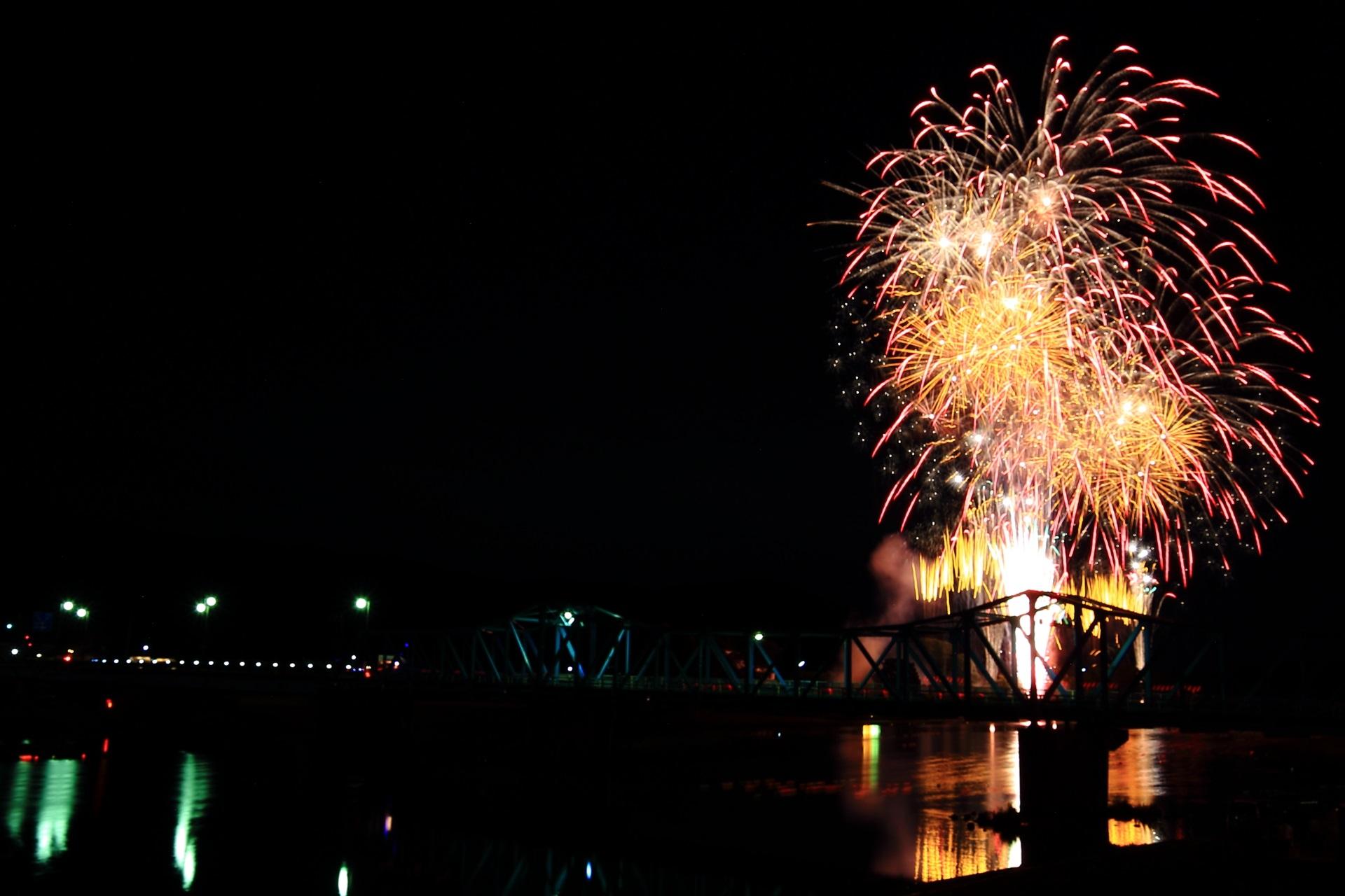 南丹市の豪華な花火
