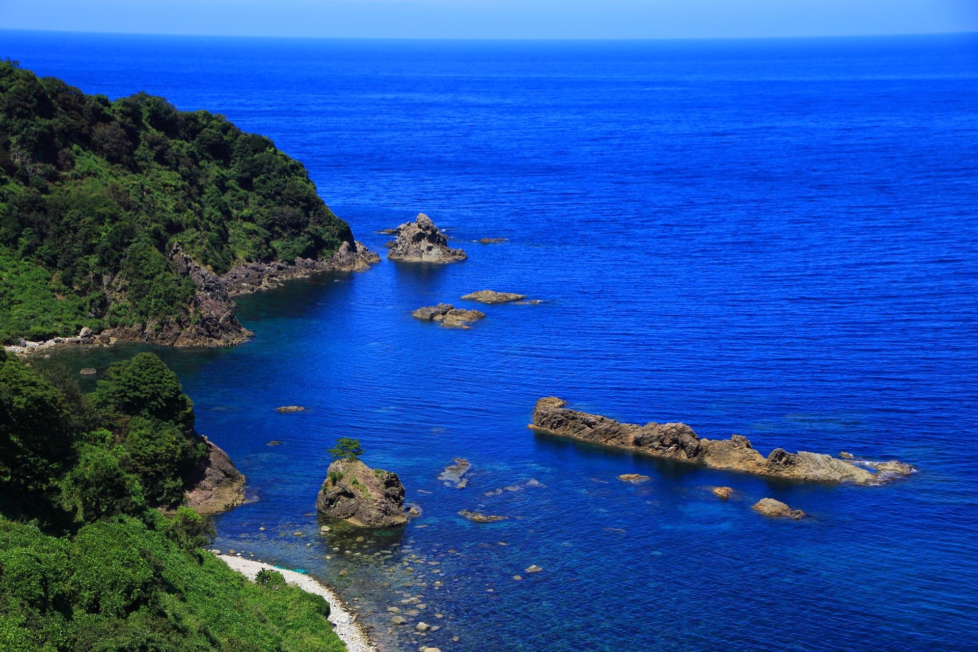 カマヤ海外の岩と海の極上の景色