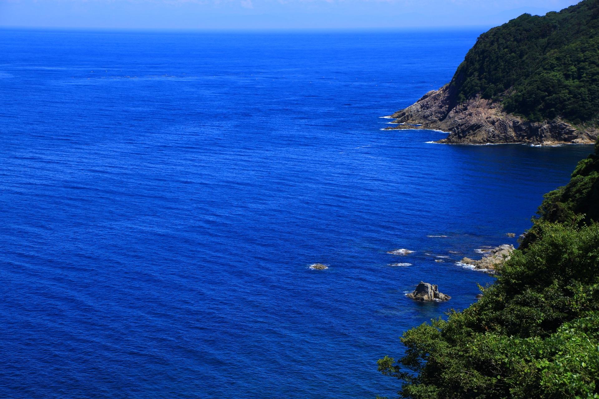 丹後半島の甲崎(さるざき)と丹後の海