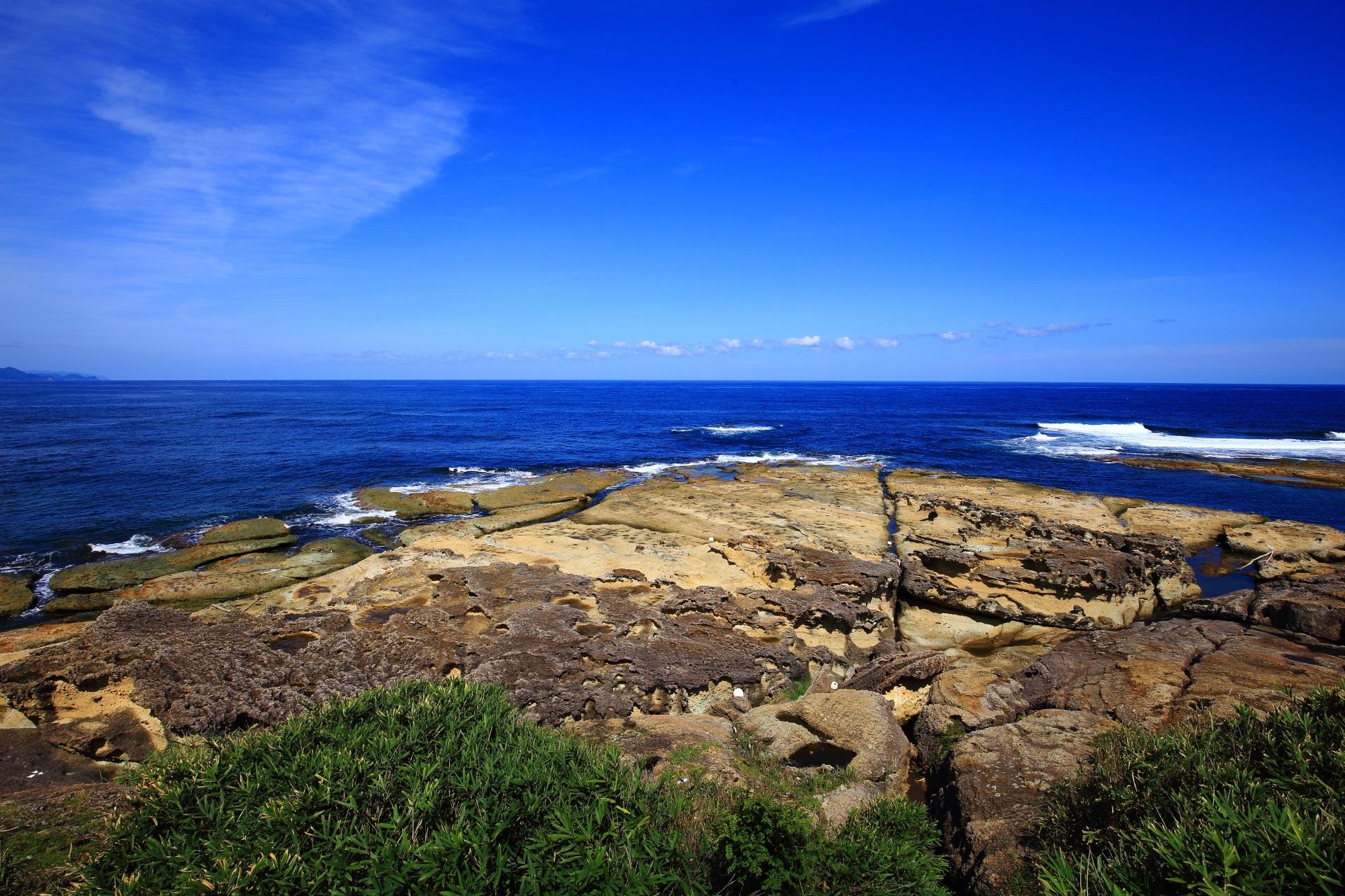 五色浜の大きな岩場の一つの「カマヤ」
