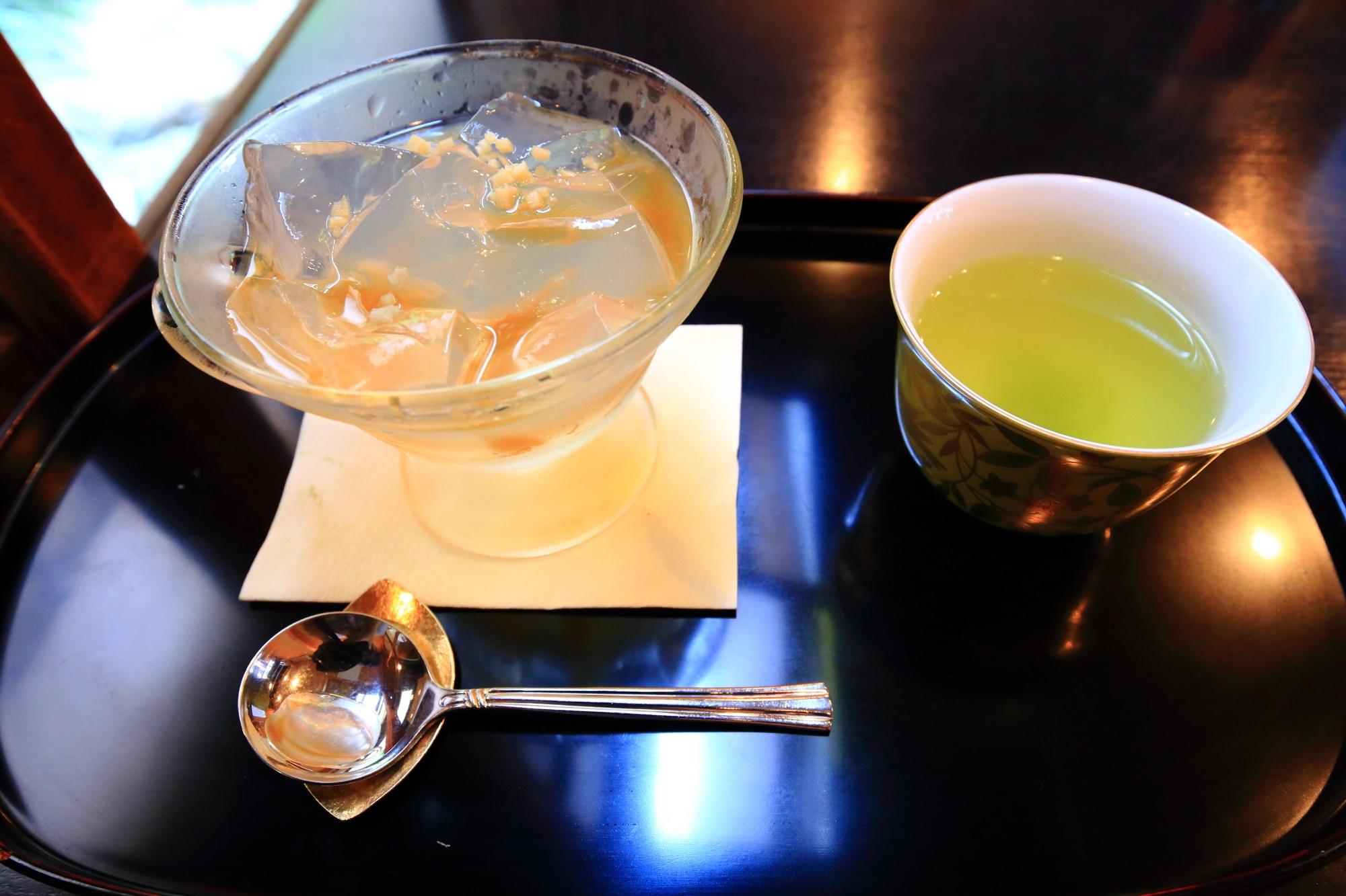 8月の冷やし飴味の琥珀流し(税込660円)