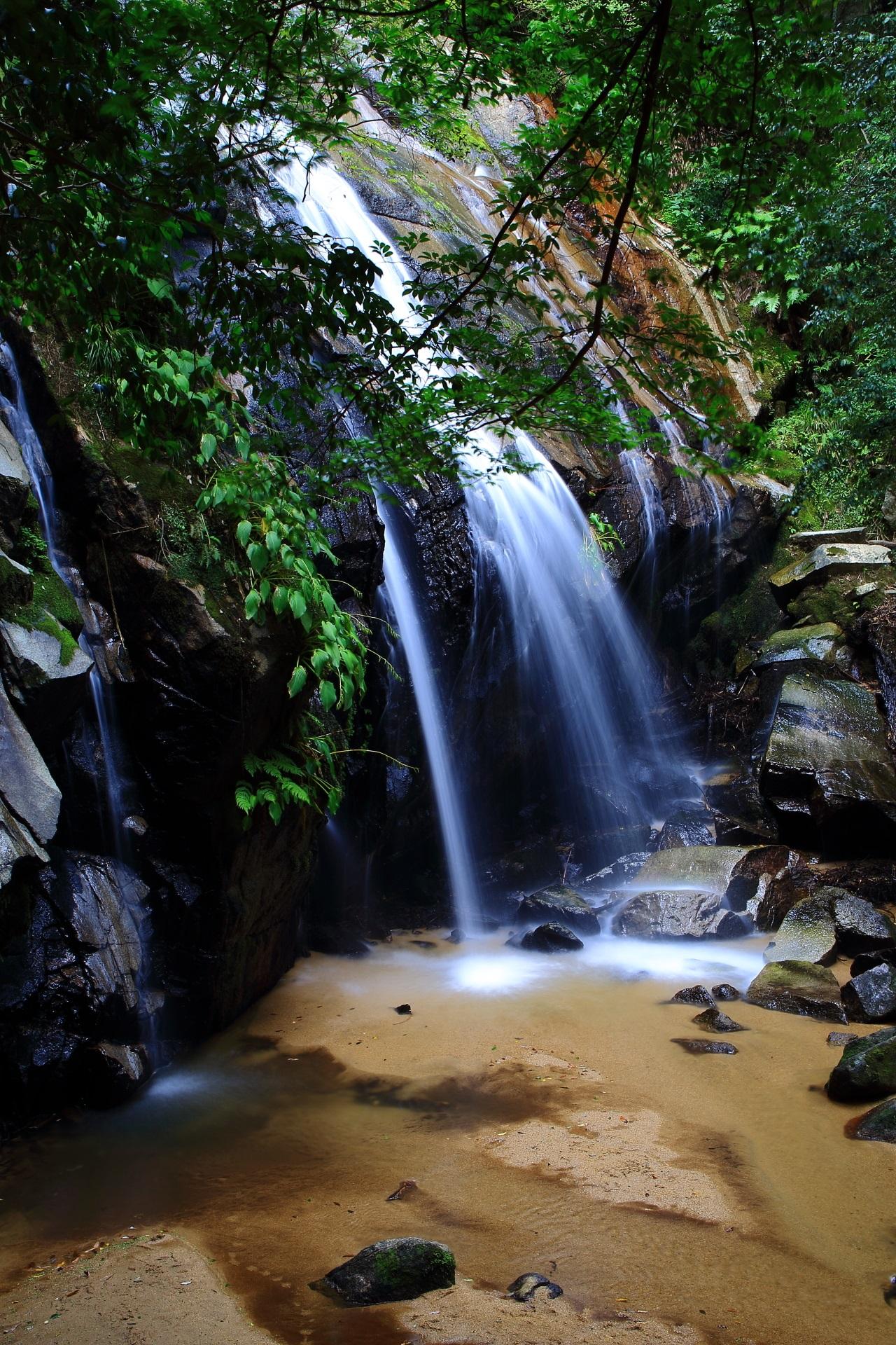 宮津の美しすぎる金引の滝(かなびきのたき)