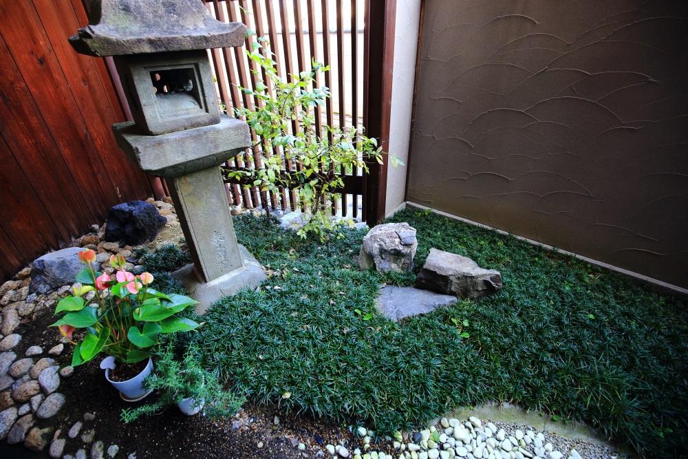 祇園の京洋菓子司ジュヴァンセルの中庭