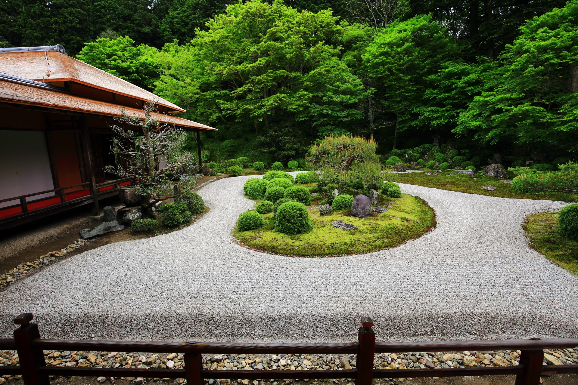 曼殊院の素晴らしい新緑や庭園と春の情景