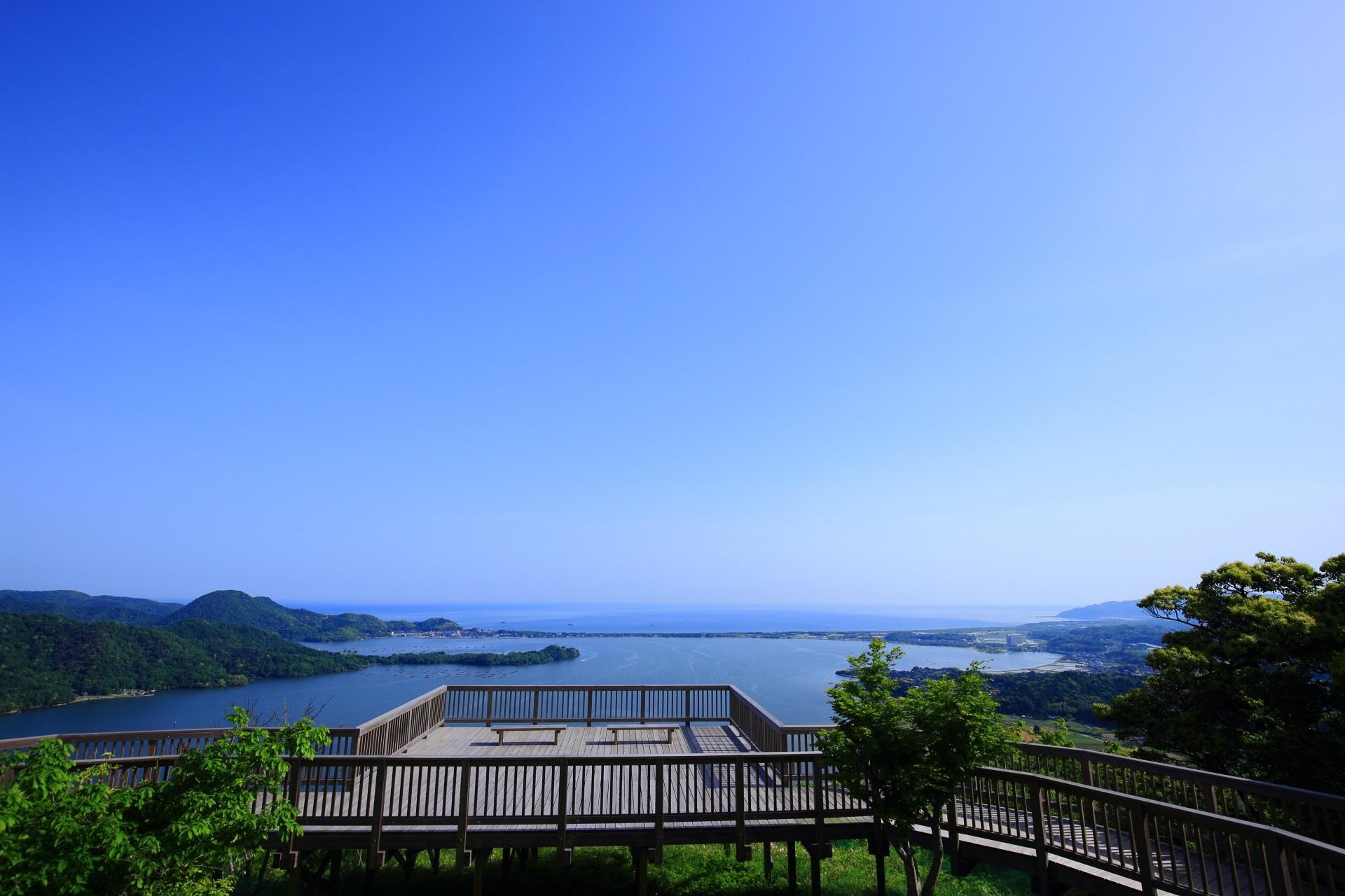 かぶと山展望台から眺める素晴らしい久美浜湾の景色や情景