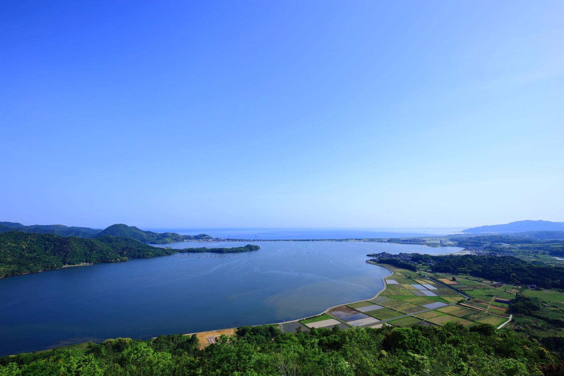 絶品の海と山と湖が楽しめる兜山の穴場の絶景スポット