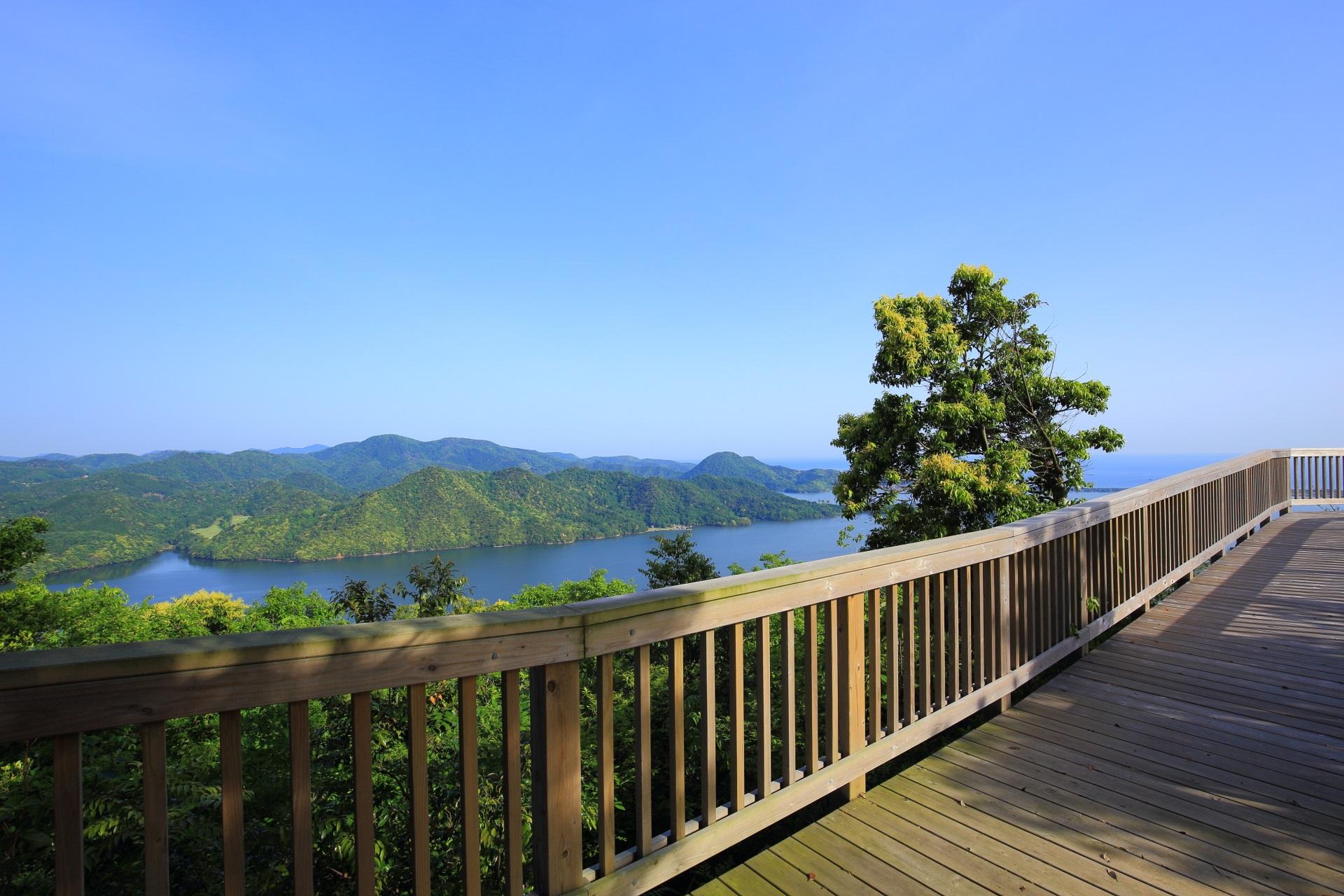 かぶと山展望台の西側の兵庫県方面