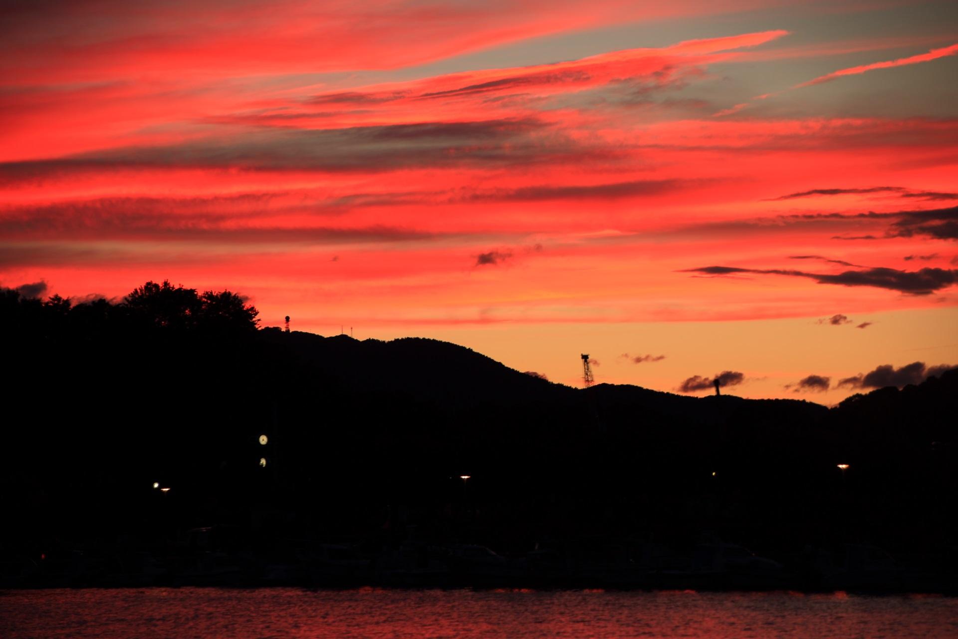 花火前の素晴らしい舞鶴港の夕焼け
