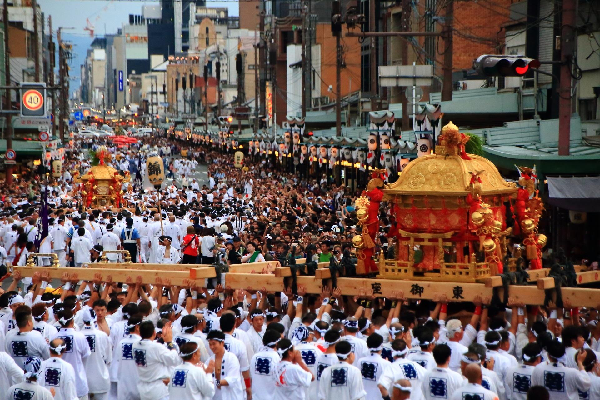 神幸祭 祇園祭 迫力の三社揃い踏みと神輿渡御