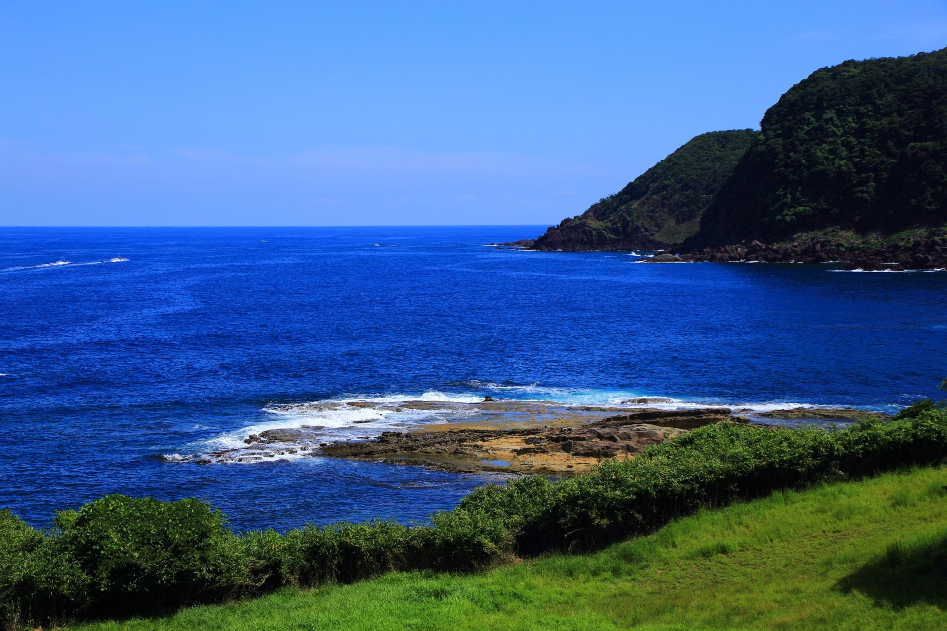 五色浜園地からの眺めと「田尻」の岩場