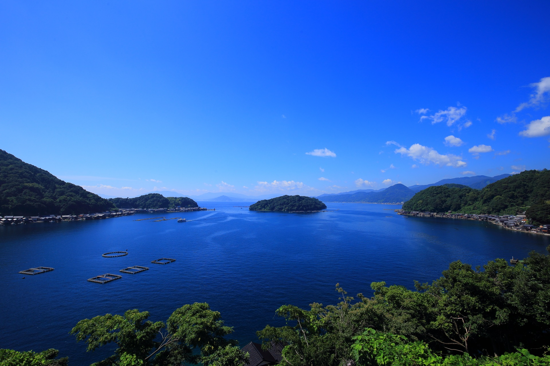 Ine-wan Bay in Kyoto, a beautiful blue sky and blue sea