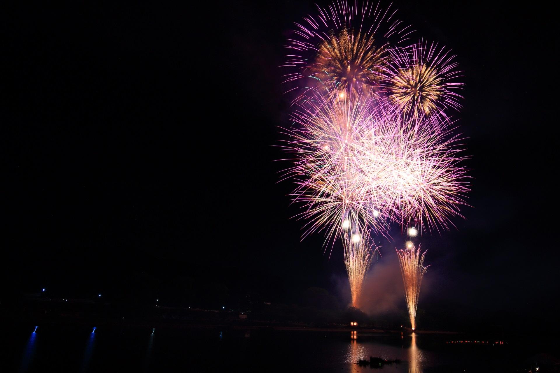 約5,000発の花火が打ち上げられる南丹市花火大会