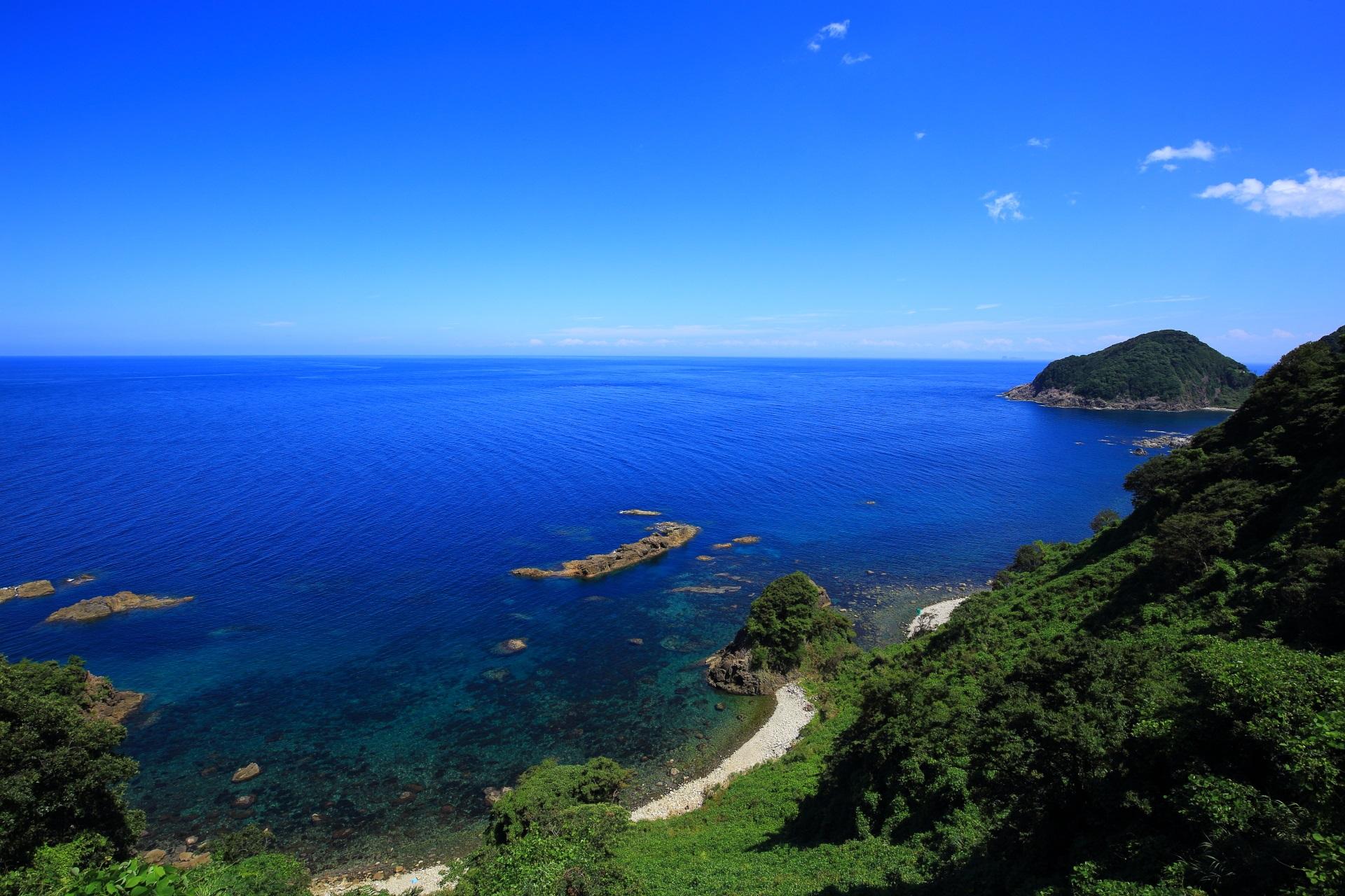 日本海とリアス式海岸の絶景