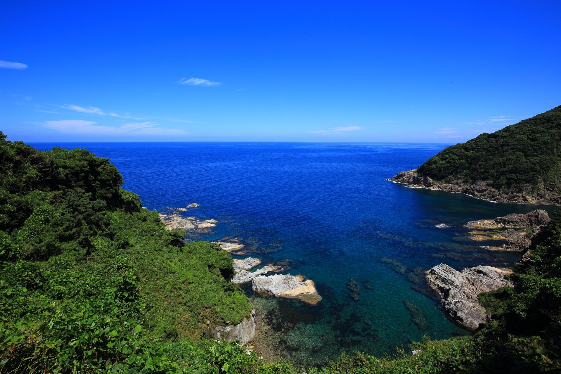 カマヤ海岸と開ける日本海