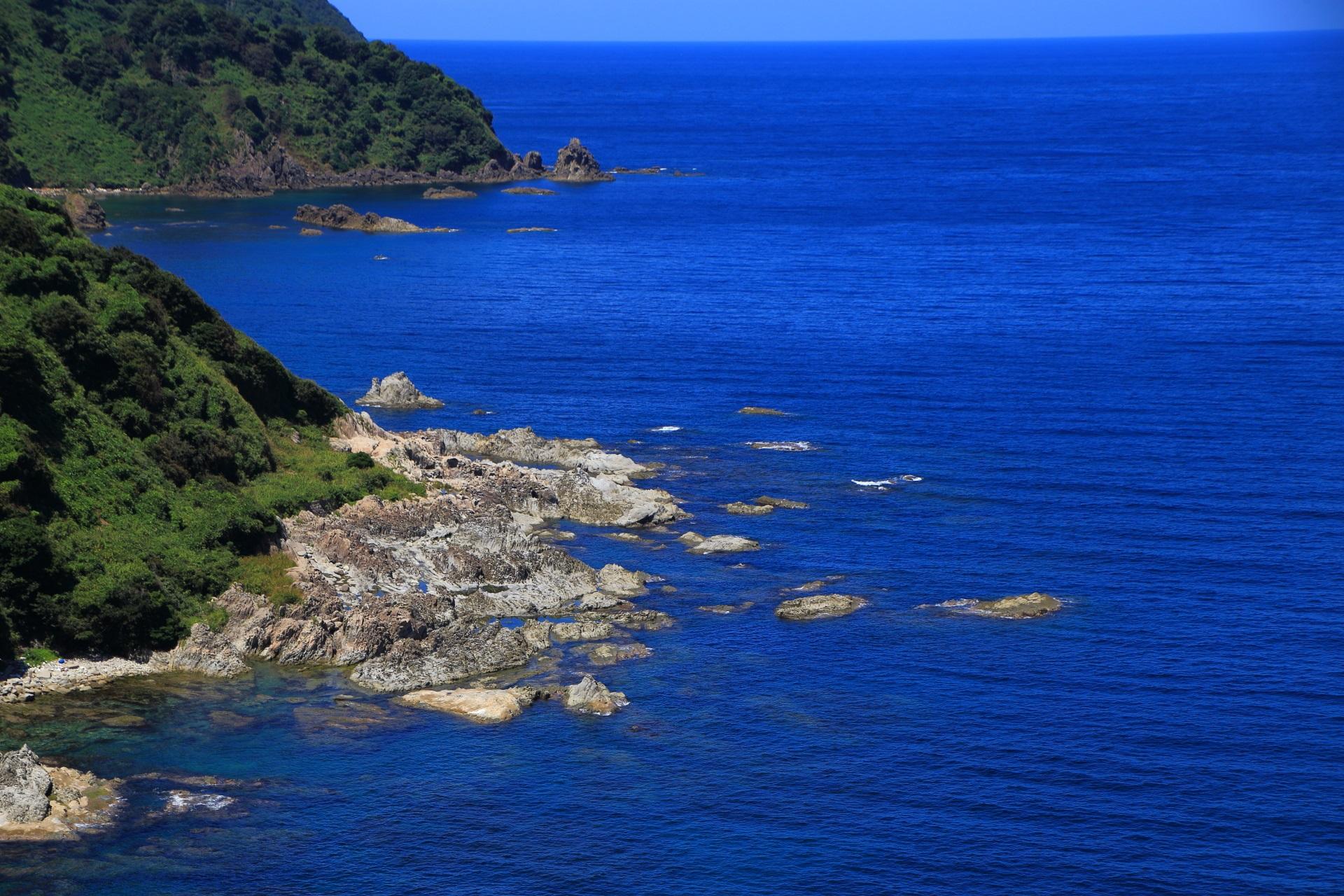 まだまだ続くカマヤ海岸の圧巻の海の景色
