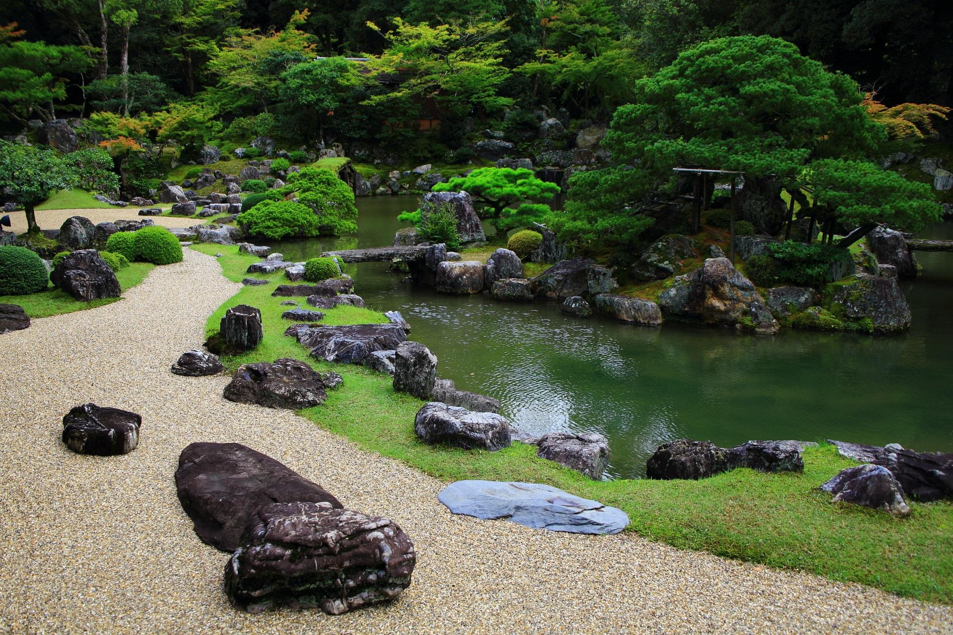 三宝院の池泉式庭園