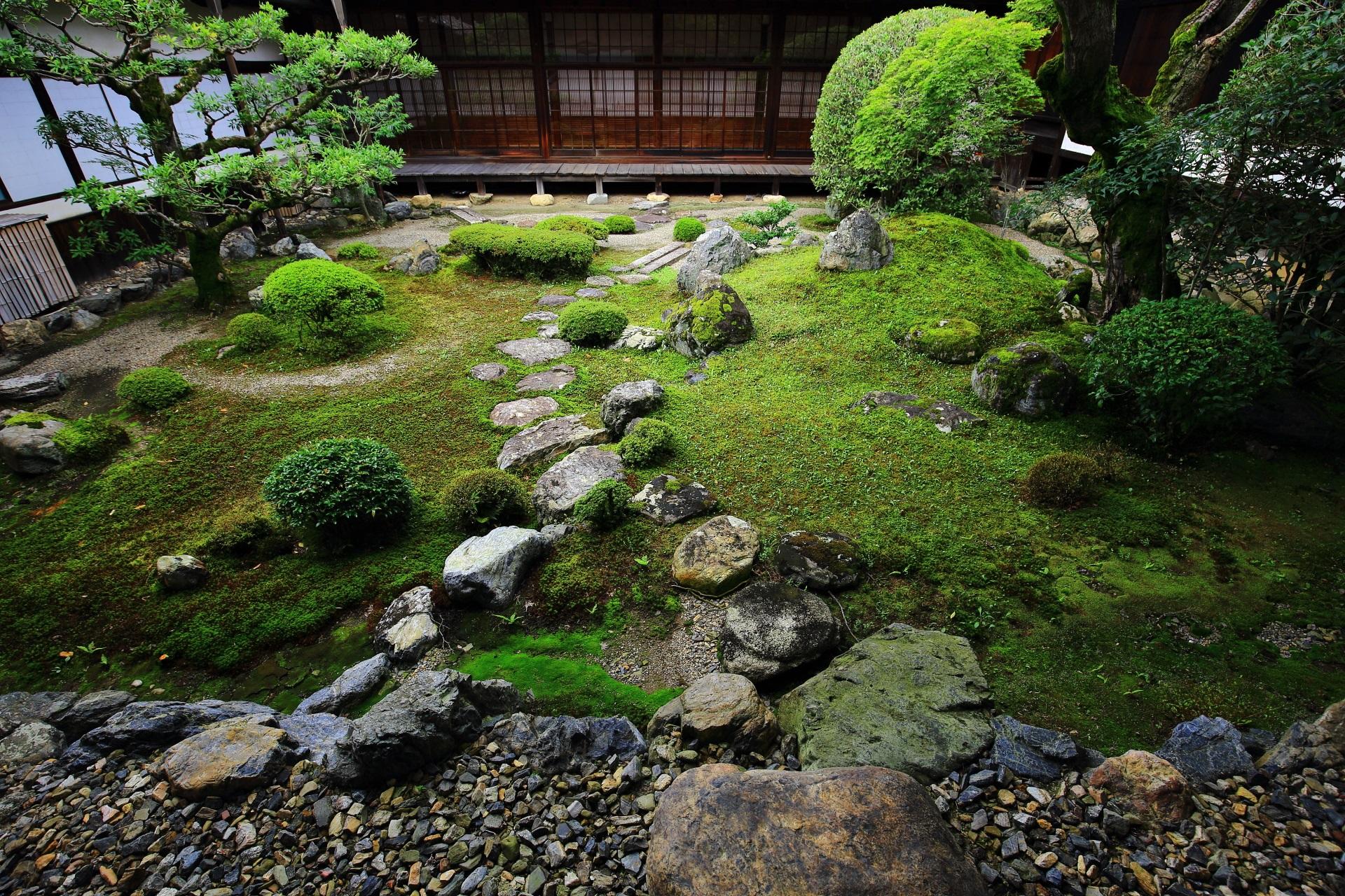 三宝院の風情ある書院中庭