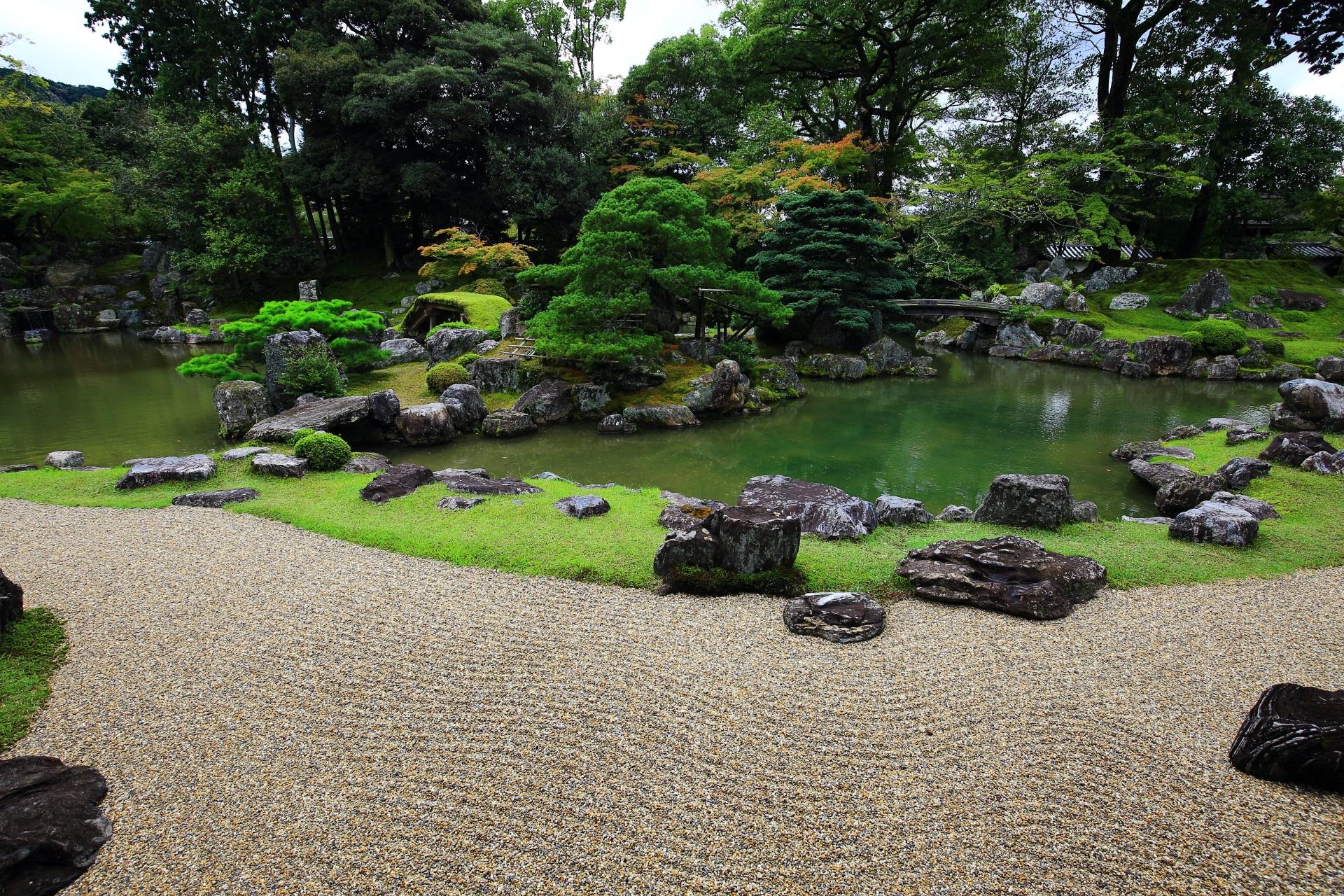 三宝院庭園の鶴島と亀島