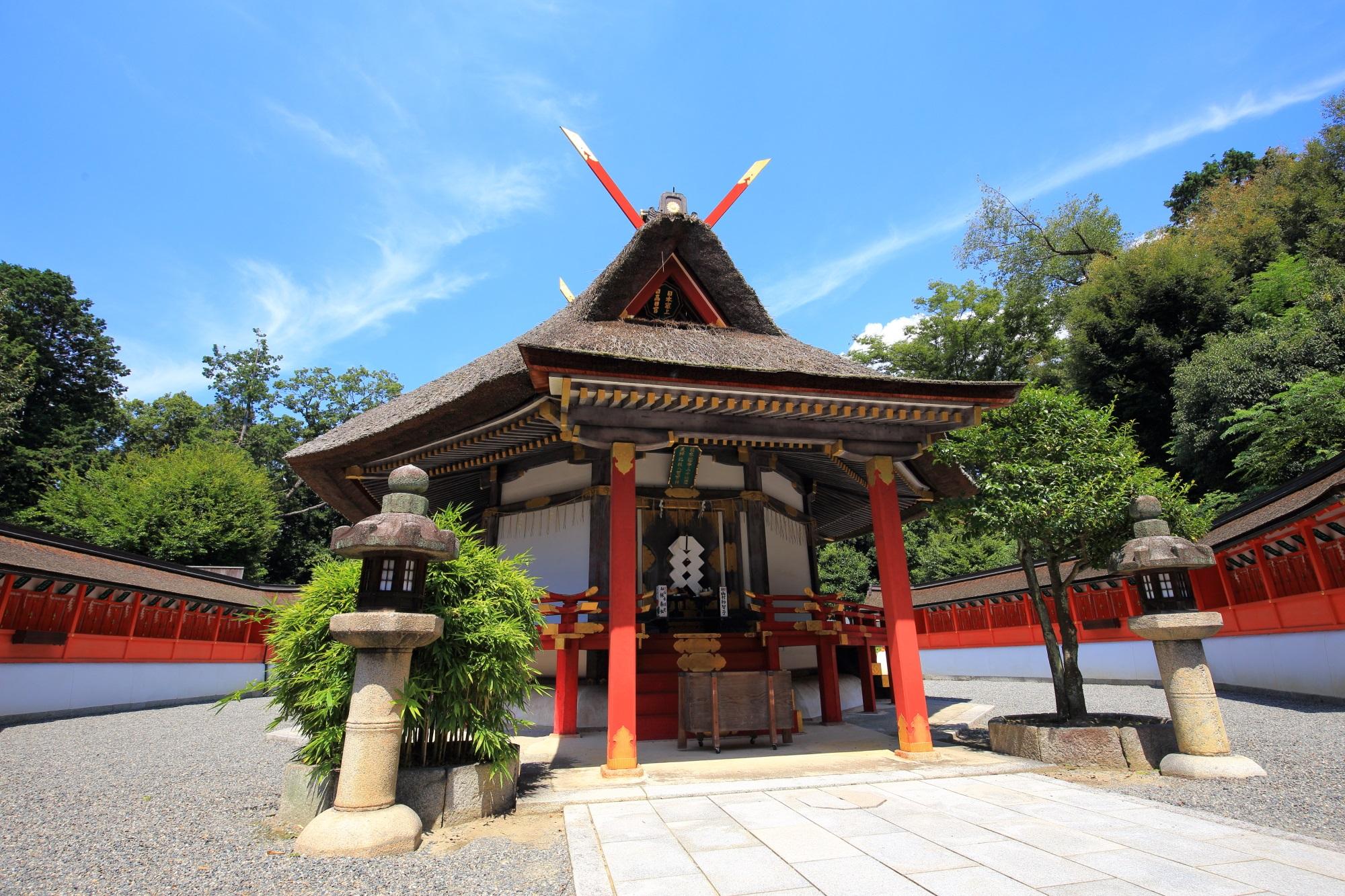 吉田神社末社の八角形の斎場所大元宮