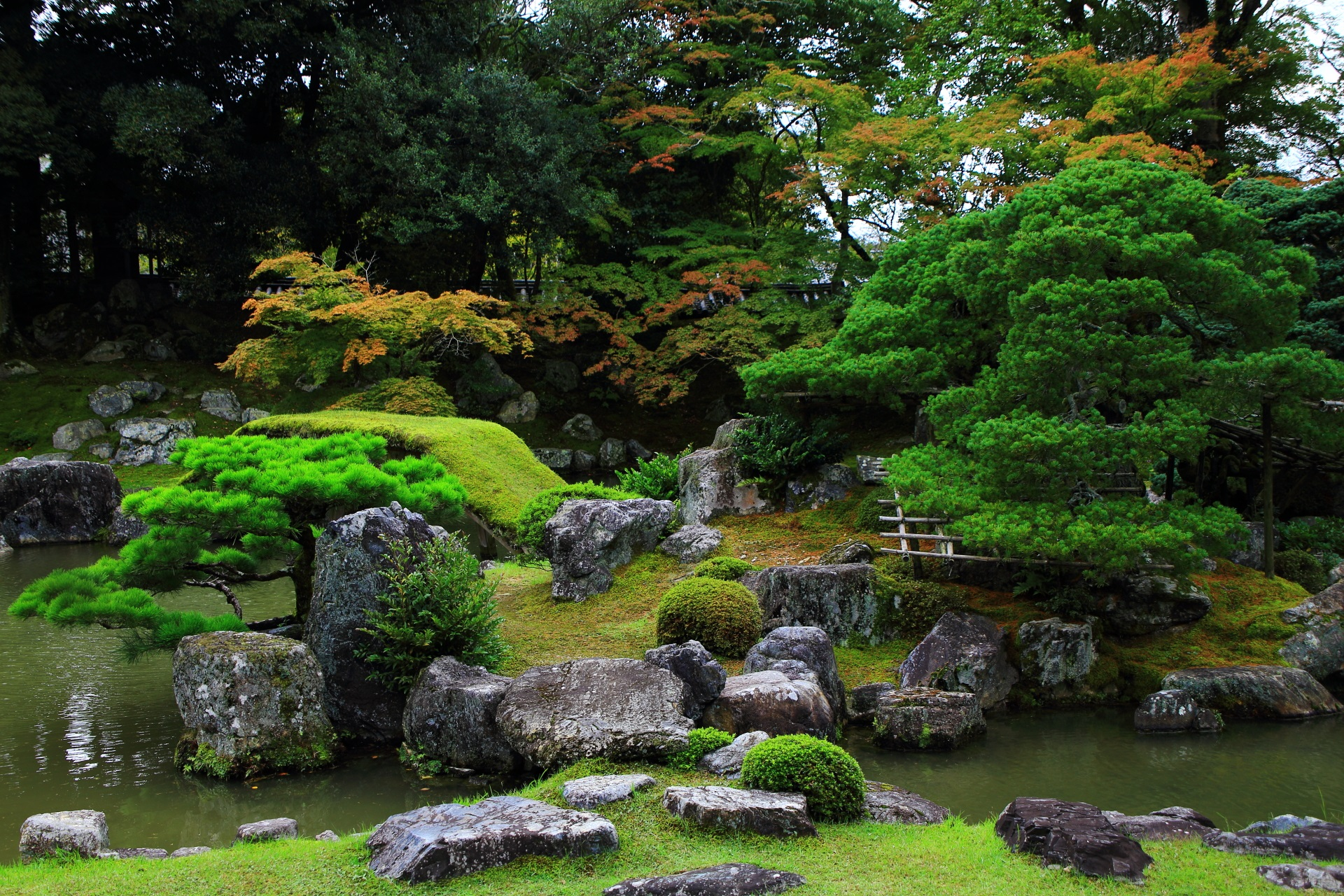 三宝院庭園の「亀島」